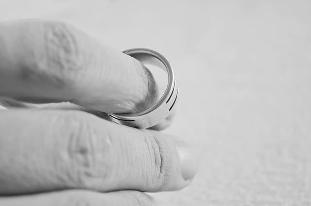 Rozwód z orzeczeniem o winie – przyczyny, dowody, skutki prawne