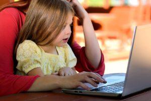 Komu i kiedy przysługuje urlop rodzicielski