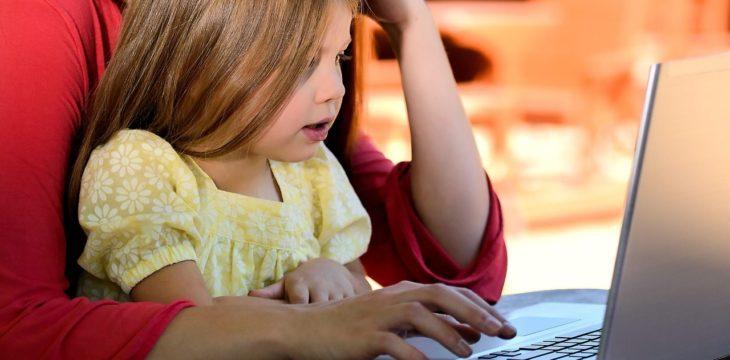 Komu i kiedy przysługuje urlop rodzicielski oraz jaka długo trwa?
